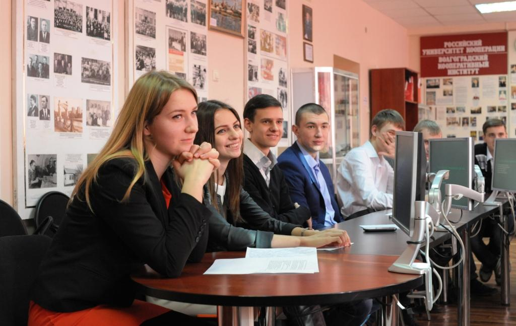 Волгоградский кооперативный институт, Факультет управления и права: адрес и телефон