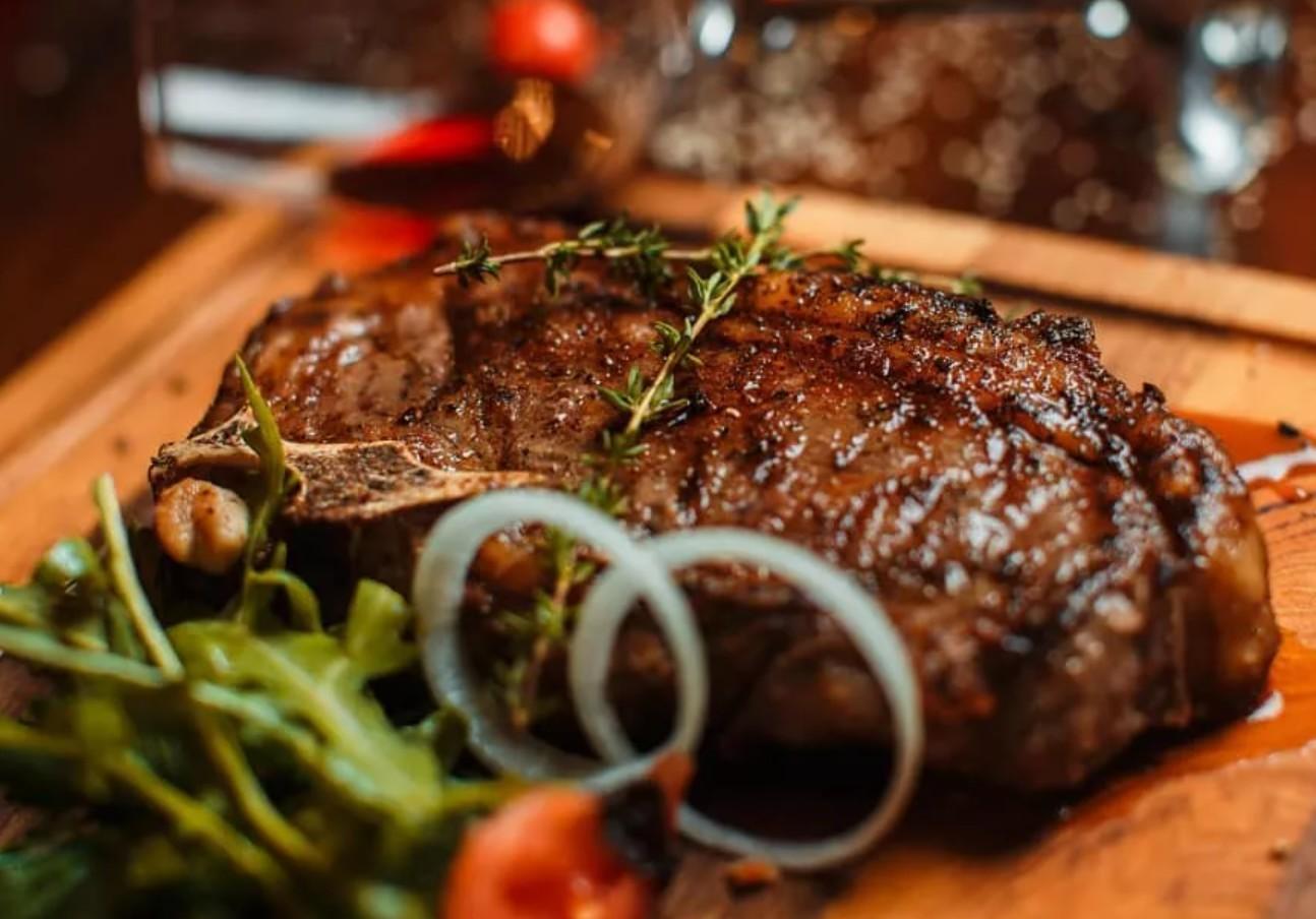 Ресторан «Мясо и Рыба» в Волгограде. Меню на любой вкус. Адрес и телефон.