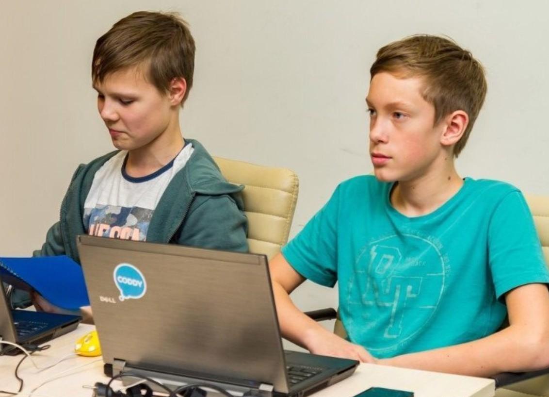 Работа для подростков в Волгограде? Кем устроиться без опыта и сколько платят?