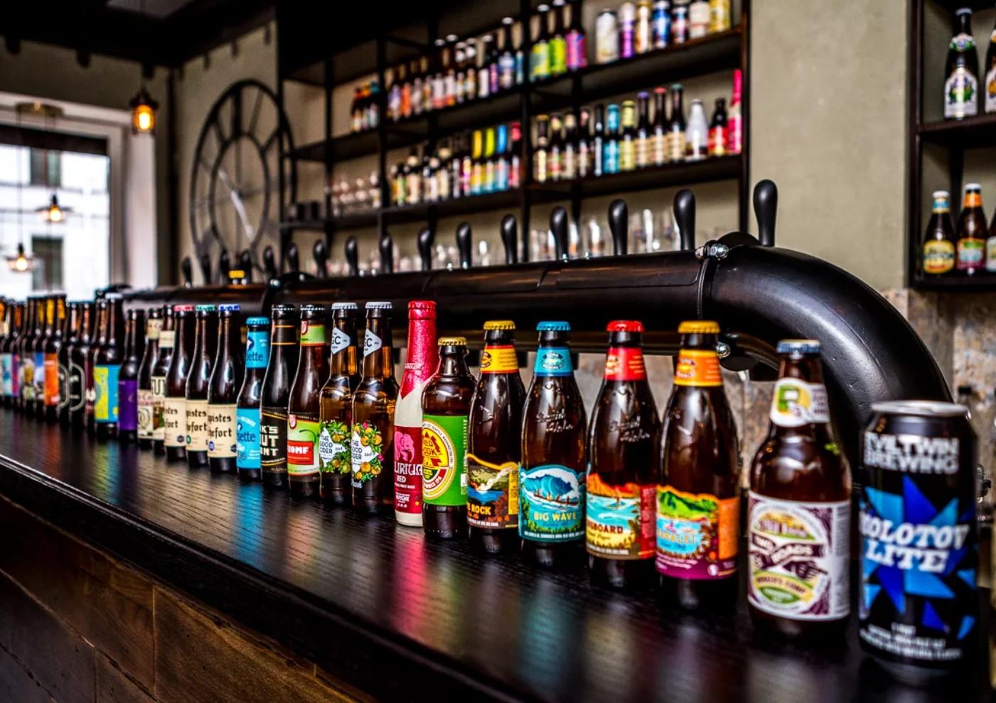 Все интересные бары Красноармейского района города Волгограда: адреса и телефоны. Пиво и закуски. Доставка еды и напитков домой.