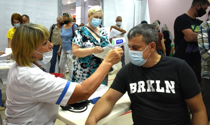 В каких ТЦ Волгограда можно пойти вакцинацию от коронавируса?